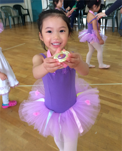 Kinderballerina with Medal